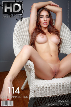 Preview Farrah Relaxing Nude